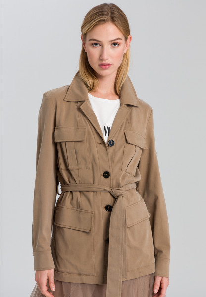 Safari Jacket made of sustainable twill with neon badge
