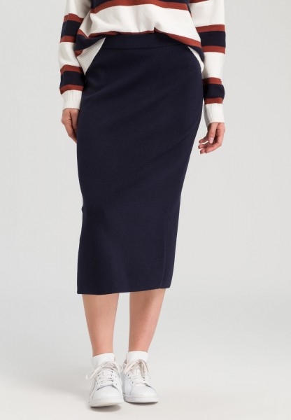 Knitted skirt viscose blend with cashmere