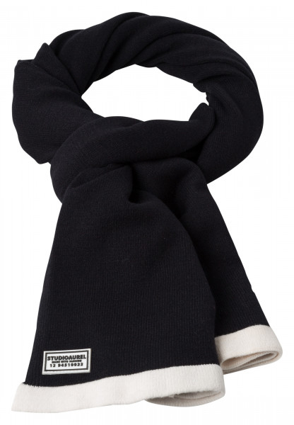 knitted scarf in fashionable black and white look