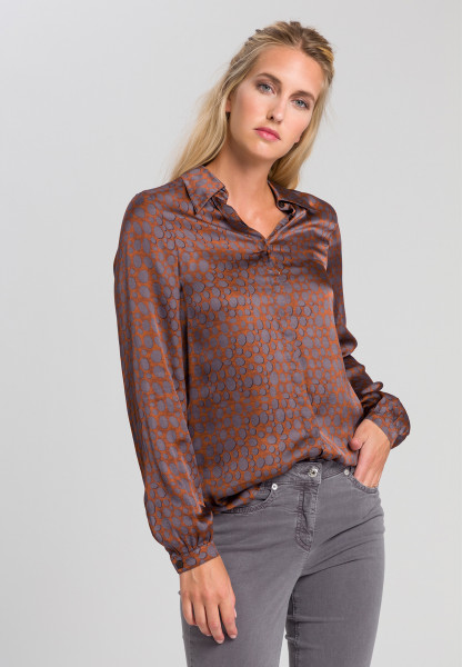 Shirt blouse With printed spots