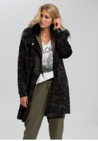 Reversible coat with cuddly collar