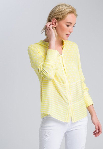 Shirt blouse with back pleat