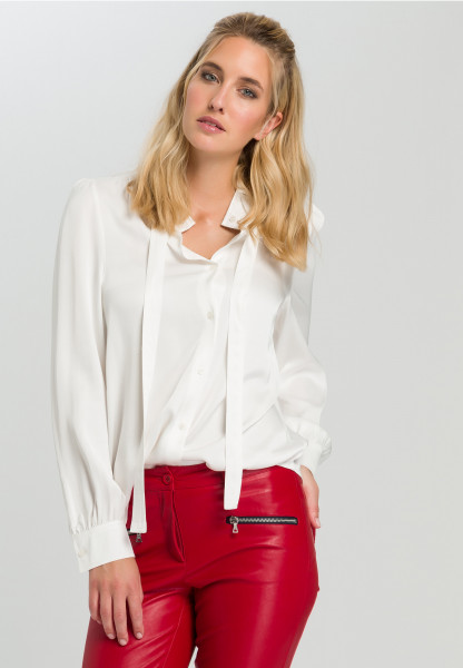 Satin blouse With a sip