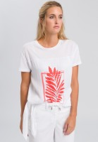 T-shirt with placed leaf print