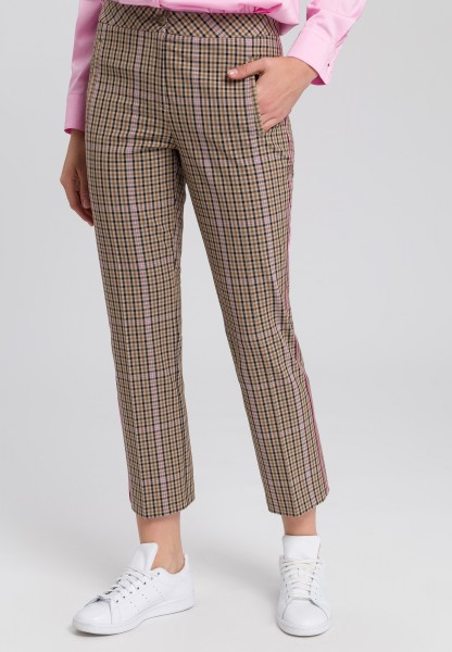 Trousers in check design