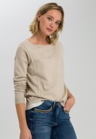 Sweaters with contrast details