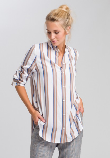 blouse in a striped look