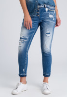 Jeans in the destroyed look