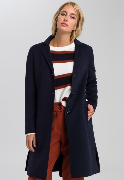 Coat with double-faced working