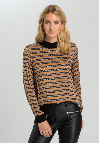 Blouse With stripes and typo design