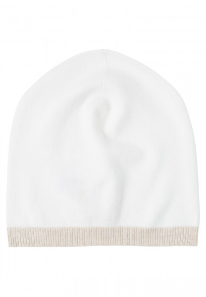 Knitted cap with contrasting edge