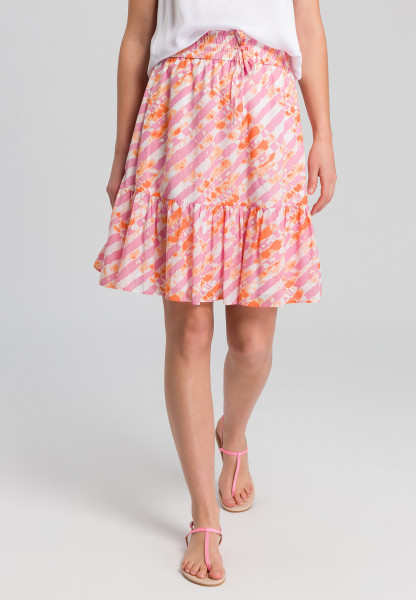 Ruffled skirt in batik print