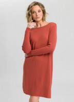 Knitted dress with u-boat cutout