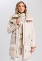 Outdoor coat with details in fur look