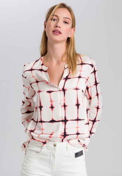 Bluse mit grafischem Batikprint