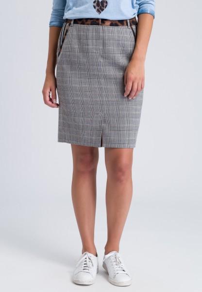 Pencil skirt with leopard appliqués
