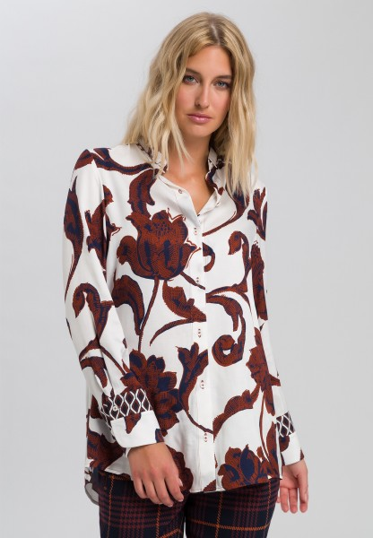 Blouse with flower pattern