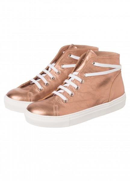 Sneaker in Kupferoptik