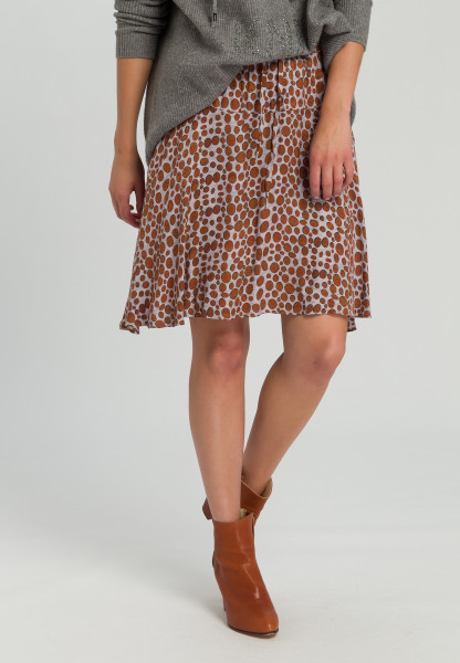 Skirt with spot pressure