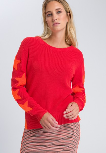 Knitted jumper with appliqués