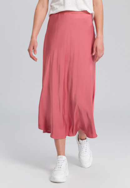 Satin skirt made of soft flowing material