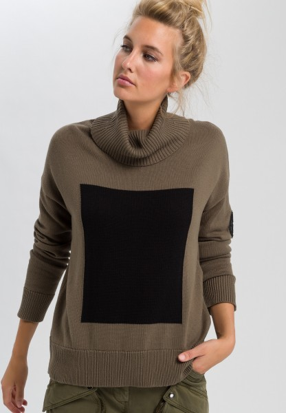 Sweaters with turtleneck and knitted contrast rectangle