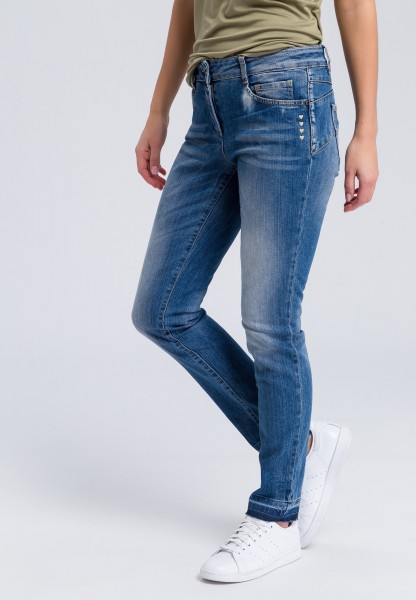 Slim fit jeans with small heart embroidery