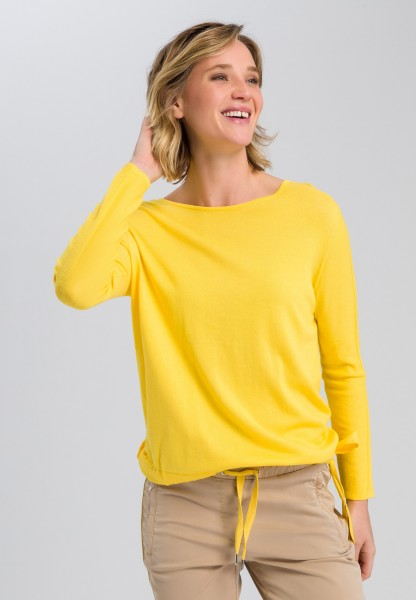 Sweaters with binding strap