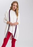 Knitted coat with contrast aperture
