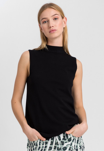 Knitted top with Turtleneck