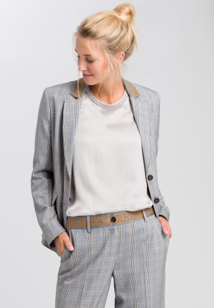 Glen plaid blazer with embroidered badge