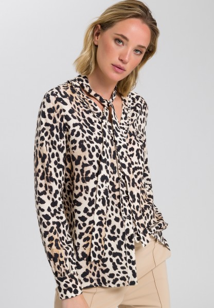 Blouse with leopard print