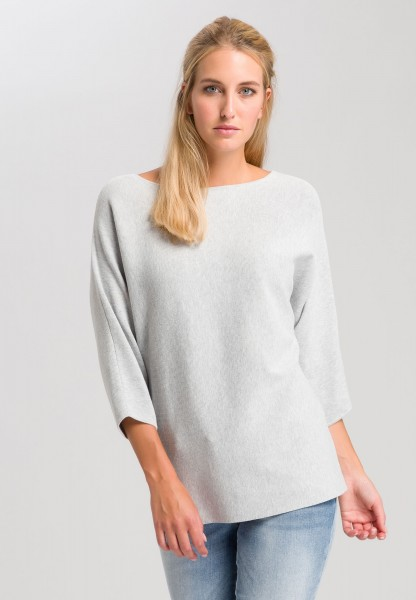 Jumper In a batwing style