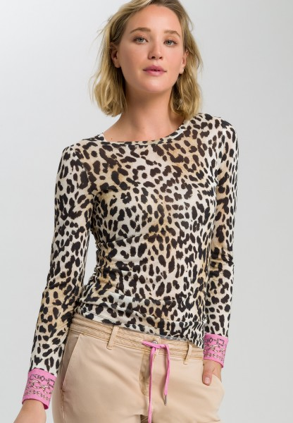 Shirt with leopard print