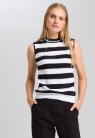 Knitted top with block stripes