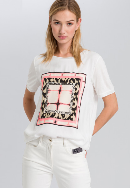 T-shirt with graphic tie-dye print