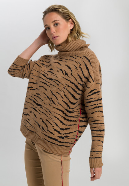 Sweaters with tiger pattern