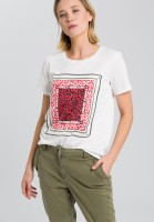 T-shirt with leopard pattern application