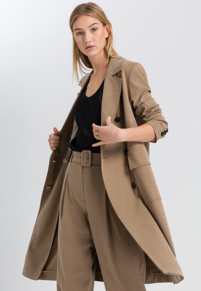 Coat made of sustainable twill