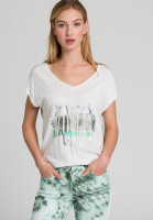 T-shirt with round font print