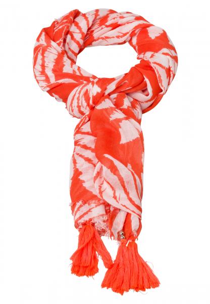 Rectangular cloth with leaf design