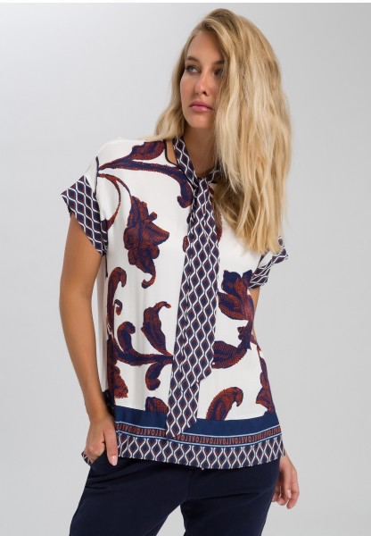 Shirt in pattern mix