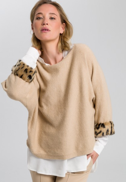 Jumper with leopard applique
