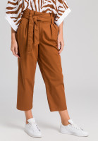 Paper bag trousers from summery material
