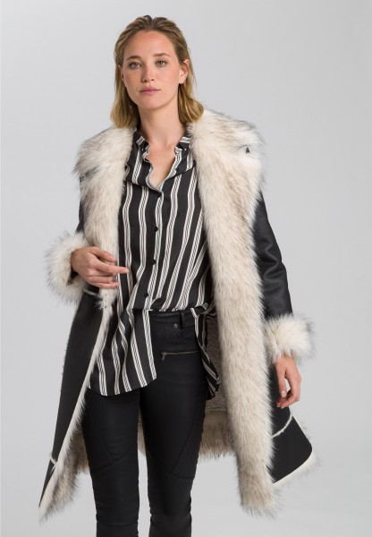 Coat with high-quality faux fur