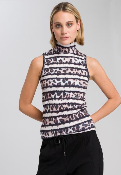 Sports top with leo-batik-pattern