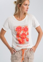 Shirt with flower application