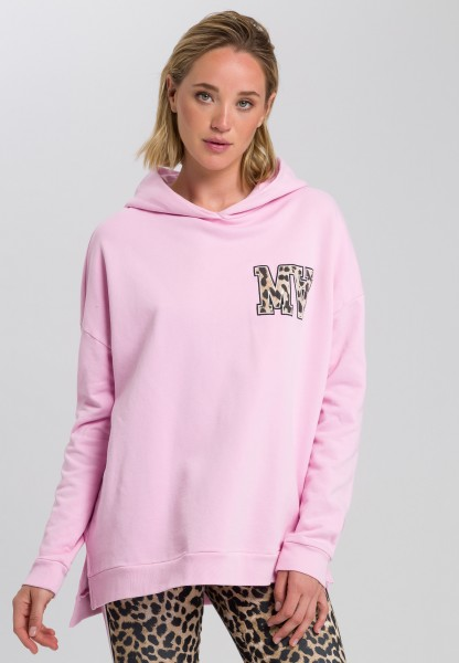 Sweatshirt with hood