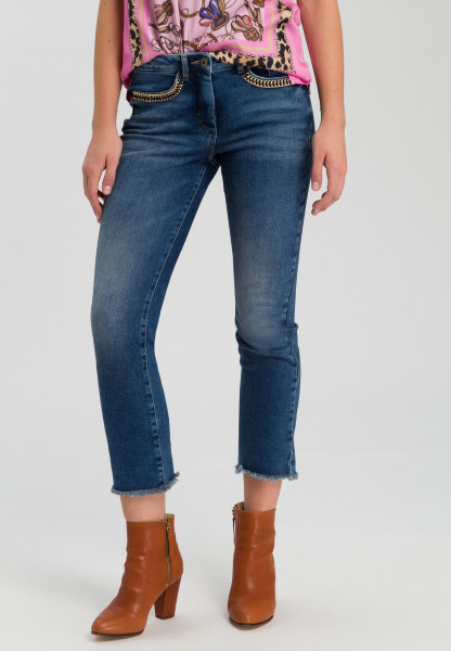 Jeans with chain detail