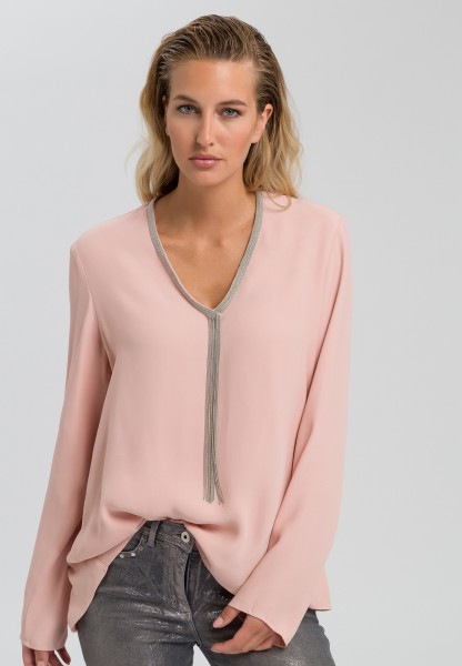 Blouse with metal chain strip